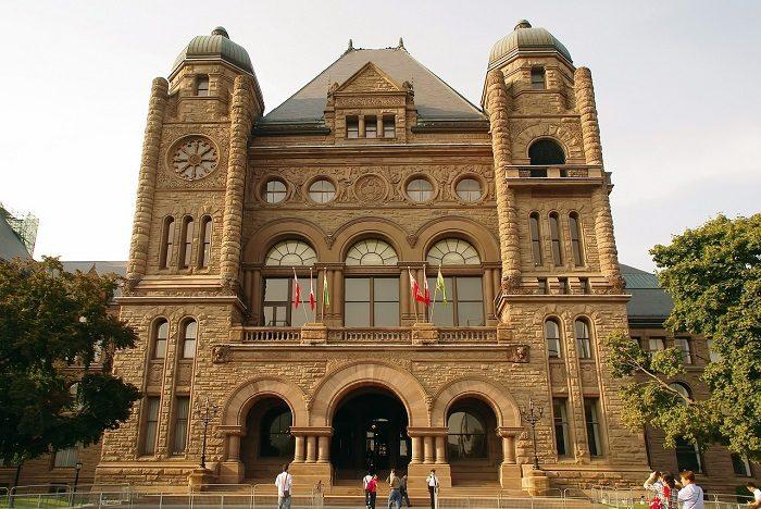 http://www.meduconsultants.com/wp-content/uploads/2020/11/universities-in-Canada-700x468.jpg